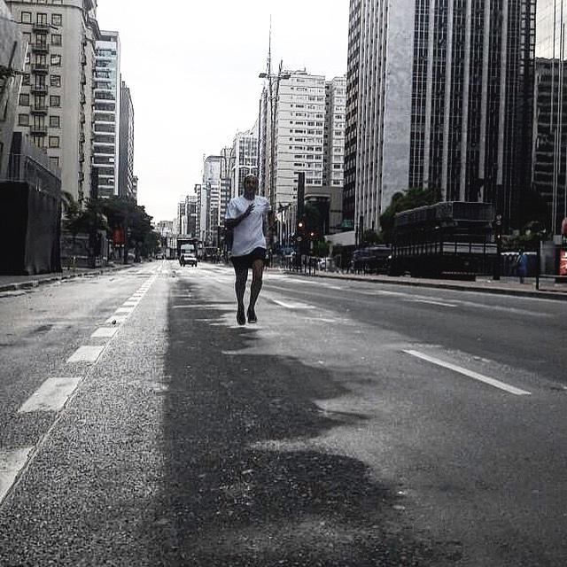 Foto crédito: Marcia Possari - Avenida Paulista - 7 horas da manhã 2017